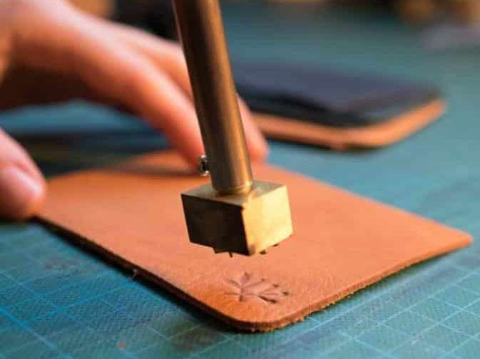 créez un accessoire de maroquinerie