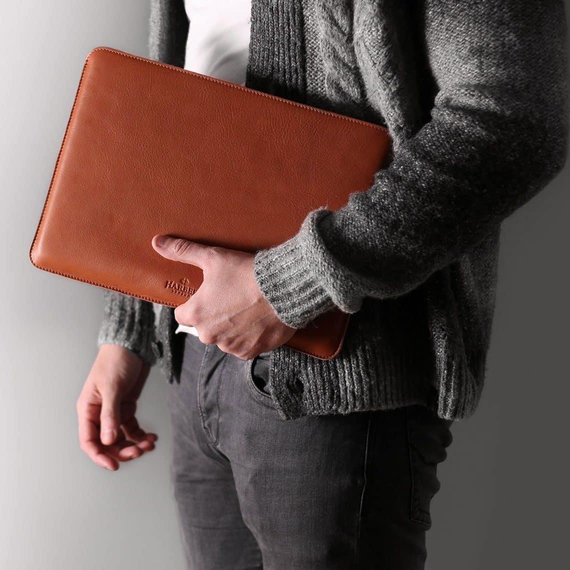 la pochette en cuir pour macbook