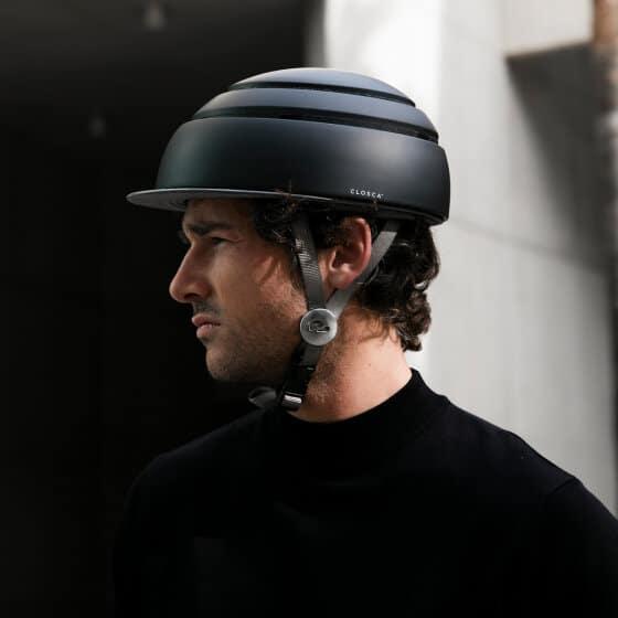 Le casque de vélo pliable de chez Closca