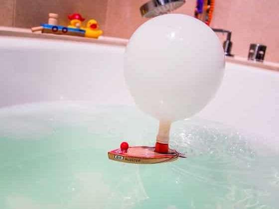 Des bateaux écolos qui se propulsent grâce à un ballon