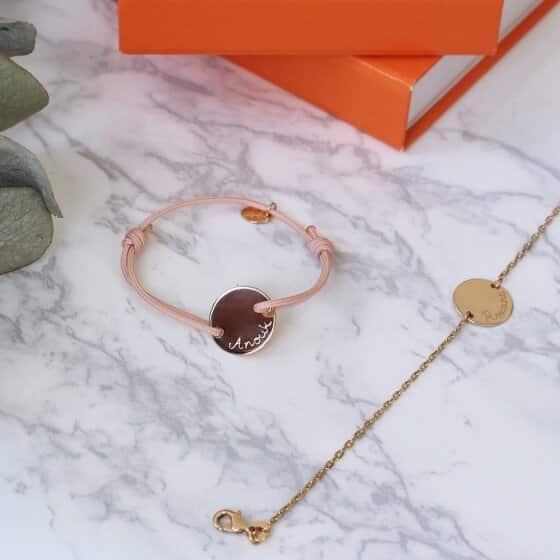 Une paire de bracelets pour matérialiser le lien mère-enfant