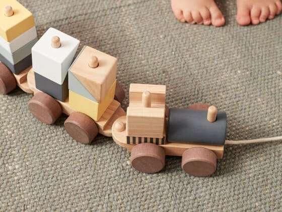 Le chouette train en bois d'antan revisité