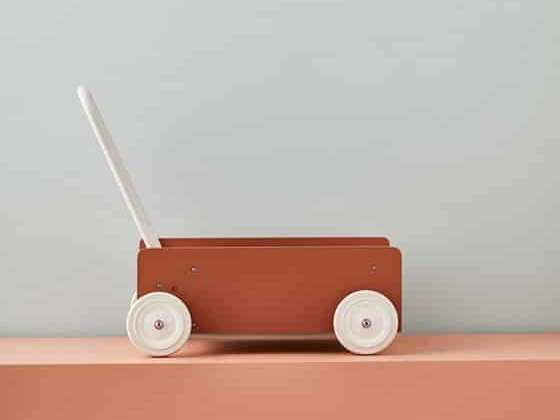 Un superbe trotteur au design minimaliste
