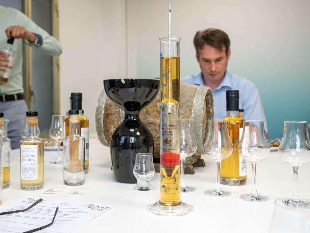 Découvrez avec de vrais spécialistes toutes les étapes de la fabrication d'un grand whisky